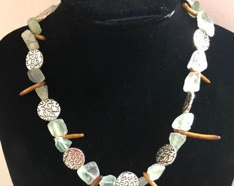 The sea necklace