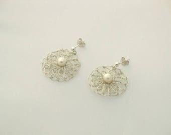 999 fine silver earrings in flower shape with pearl-elegant flower earrings-earrings filigree