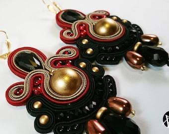 Antique Model-soutaches Earrings-soutaches Earrings-handmade Earrings-hand-made earrings-pendant earrings-creative earrings