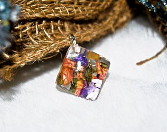 Square Resin dried flower pendant