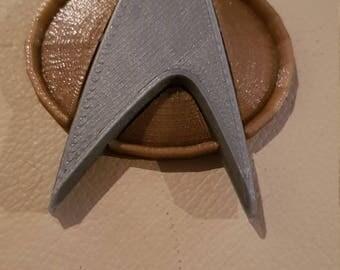 Star trek next gen com badge