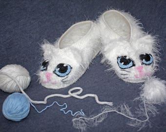 Cat Slippers White Cozy Cat Slippers Romanic gift  White Cat Women's Kitty Felted Slippers Kitty Cat Baby Booties
