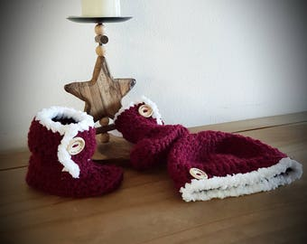 0/3 Crochet boots and hat set