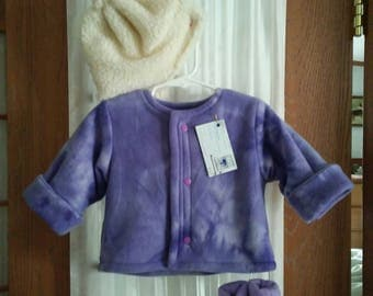 Jacket 6 to 12 month in lavender fleece. Snap front. Matching thumbless mittens. Hat in ivory sherpa. All items lined.