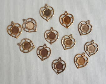 Vintage brass heart shaped settings charms