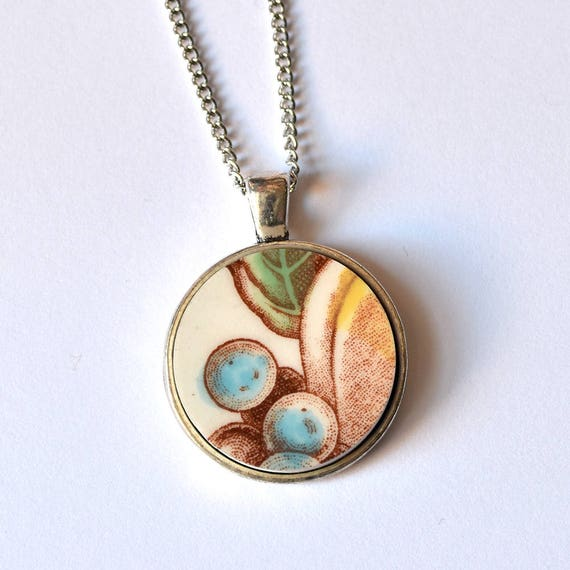 Simple Circle Broken Plate Pendant - Blue Berries - Recycled China
