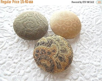 CLEARANCE - 3 green beige buttons, fabric buttons, covered buttons, textured buttons, 1.5 inch button, size 60 buttons