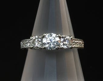 Vintage! 14K White Gold Engagement Ring with 1.09 tcw Diamond