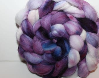 Kettle Dyed Merino Wool Top. Super fine. 19 micron  Soft and easy to spin. 4oz  Braid. Spin. Felt. Roving. M251