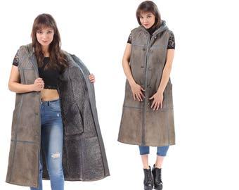 Vintage SHEARLING VEST 70s HOODED Midi Sheepskin Sleveless Suede Coat Distressed Boho Longline Jacket Faded Grey Button Up Oversize Medium