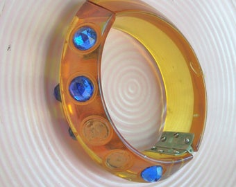 Applejuice Bakelite Hinged Bracelet with Blue Stones *