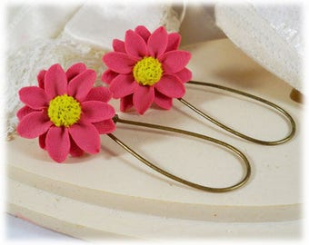 Pink Daisy Dangle Earrings - Pink Daisy Drop Earrings