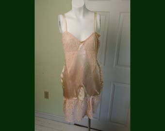 Vintage 1930's Eddy Form Woman's Corselet Bra with Open Girdle Merry Widow
