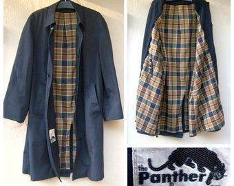"""30% MOVING SALE Vintage mens rain coat / 60s 70s trench coat / long grey overcoat / plaid lining / 44"""" chest, mens large"""