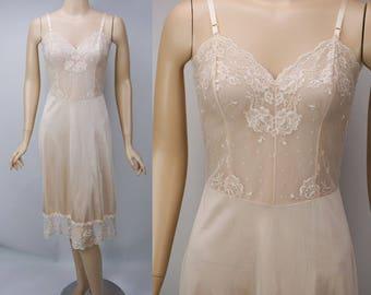 1980s Vintage Slip Nude Lace by Vanity Fair Sz 34 TT