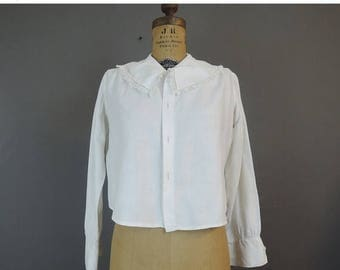 20% Sale - Edwardian 1900s Blouse, 38 bust, needs buttons, Lace Trim Vintage Whites