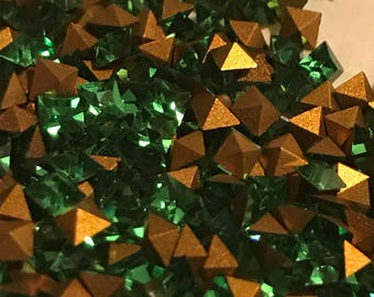 24pc 2.8mm Light Emerald Squares Vintage Swarovski Square Size 2.8mm Squares Pointed Backs Gold Foiling Swarovski Light Emerald Squares