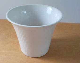 Vintage White Large Planter • Ivory Ringed Planter Flowerpot • Off White Modern 856-7 Flower Pot Planter