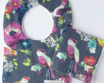 Baby Girl Gift Set - Baby Shower Gift Set - Baby Bib - Baby Washcloth  - Tweet Bib - Washcloth - Gift for baby -  Birds Baby Bib