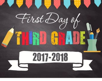 First day of school chalkboard sign printable, first day of school sign, Back to school sign, Kindergarten school sign, photo prop