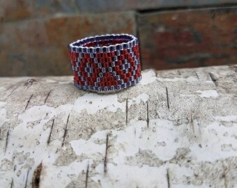 Peyote Seed Bead Ring, Triangle Diamond Ring, Prussian Blue and Garnet Delica Beads Ring, Beaded Ring, Rings, Peyote Ring, Delicas Beads