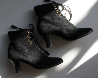 GUCCI suede lace up ankle boots, 38.5