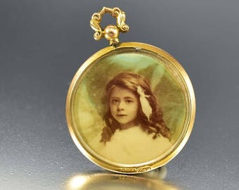 Antique Edwardian Locket Pendant | English Gold Locket | Large Double Sided Glass Photo Locket | 1907 Antique Locket | Keepsake Gift for Her