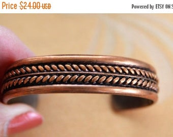 ON SALE Pretty Vintage Copper Cuff Bracelet (M14)