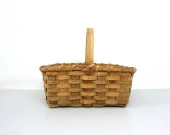 Primitive farmhouse Gathering Basket Home Decor Cottage Chic Vintage Folk Woven rustic Splint Basket Storage Cabin decor Wood Handle