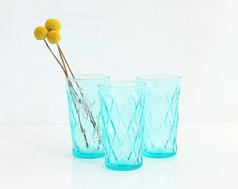 Mid Century Modern Aquamarine Gemstone Kimberly Glasses by Anchor Hocking / Retro Aqua Drinking Glasses / Mid Century Turquoise Glassware