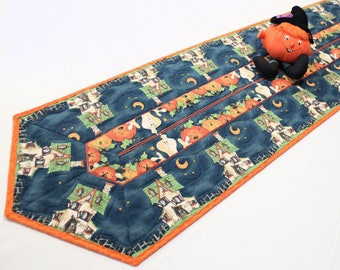 Haunted House Table Runner Quilt - Halloween Quilted Table Runner, Halloween Party Table Decor, Quiltsy Handmade Pumpkins, Ghosts