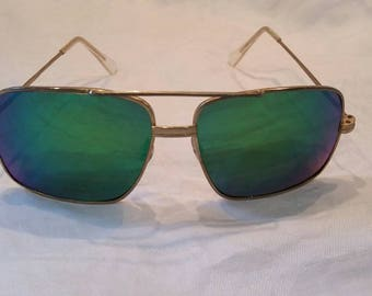 Vintage green mirrored sunglasses 70s