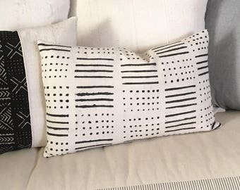 African Mudcloth  Pillow Cover  with Dash Dot Geometric Tribal Design in Black and White  Lumbar 16x26  Boho / Modern