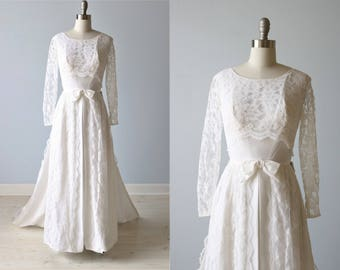 1960s Wedding Dress / Lace Wedding Dress with Removable Train / Long Sleeves Sleeves / A -Line / Elegance