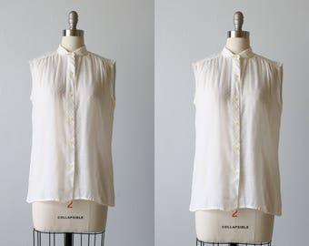 White Sleeveless Swiss Dot Blouse / Peter Pan Collar Button Down / Gauzy