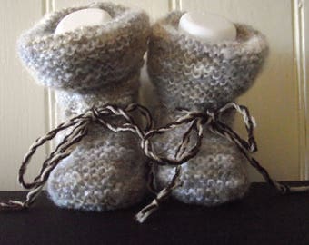 Little baby Booties/ hand knit Booties/ fluffy booties / Warm, soft, baby Booties / New born gift/ baby shower gift/ Ready to Ship