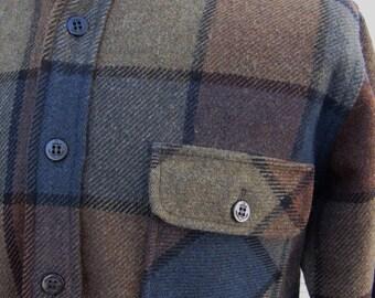 1960s Vintage  60s  Dark Green Blue Medium Weight Wool Shirt Jacket Lumberjack Small Medium 40 42 Outdoors Wear