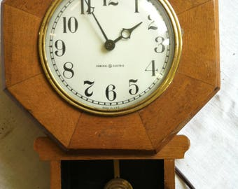 Vintage Wall Mounted General Electric Clock from Barneche/Stephanie Barnes Studio
