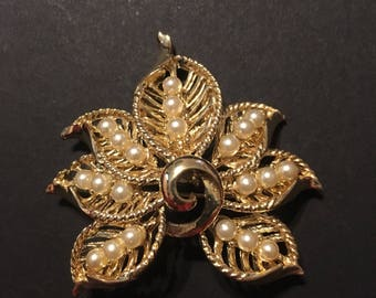 Vintage leaf brooch with faux pearl accents in gold tone