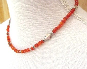 Souvenirs Messengers: a precious necklace with old cornelian and silver beads ....