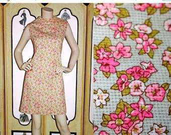Summer Sale 20% Off Vintage 1960's Ditsy Floral Shift Dress in Mint Green and Pink Floral. Large.