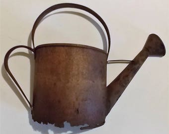 Rusty Old Water Can Wall Decoration, One Half Water Can, Hanging Water Can, Farmhouse Chic, Vintage Decor, Decorative, Home Decor, Rustic