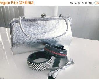 40% OFF Christmas in July Vintage Space Age 1960's Silver Atomic Handbag -- Retro