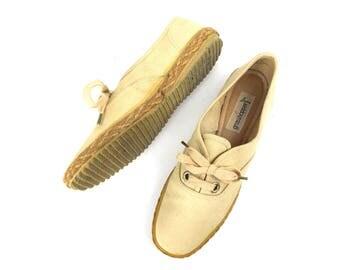 vintage sneakers / shoes women / size 6 / grasshoppers shoes / canvas shoes / tennis shoes / cream color / rope trim / rubber soles / preppy