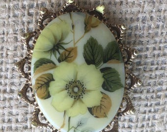 Vintage Floral Enamel Oval Filigree Trim Brooch Pin Estate Jewelry