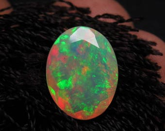 Ethiopian Welo OPAL - AAAAAAAAAA - High Quality Fine Cut Faceted Oval Stone Full Flashy Color Full Fire size - 9.5x 12 mm - Height 4.5 mm