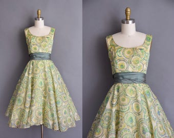1950s green paisley chiffon full skirt vintage dress. vintage 50s dress