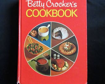 Betty Crocker's Cookbook New & Revised Edition Including Microwave Recipes 1979