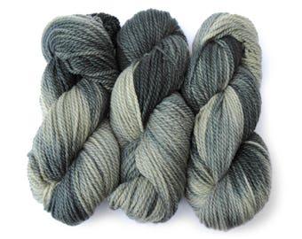 Awesome Aran hand-dyed superwash British pure wool knitting yarn 100g - 'Iskald' blue-grey