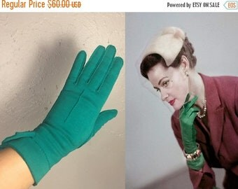 Anniversary Sale 35% Off Down On Her Royal Luck - Vintage 1940s Kayser Emerald Green Double Cotton Over Wrist Gloves - 7